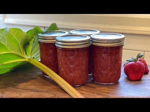 Easy strawberry rhubarb jam| preserving your rhubarb harvest | garden to table | city foodie farm |
