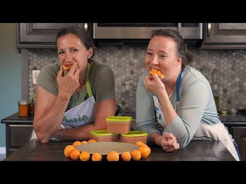 How to make apricot freezer jam [recipe and tutorial]