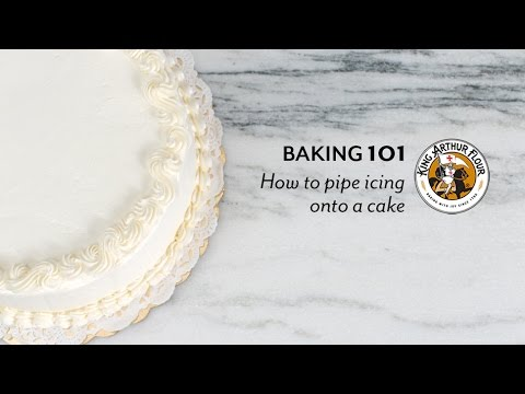 How to pipe frosting onto a cake