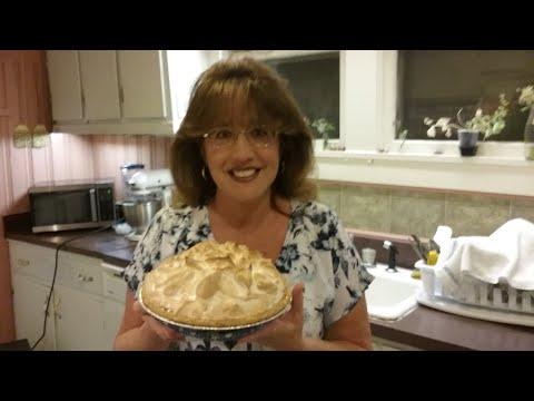 How to make homemade caramel pie with meringue