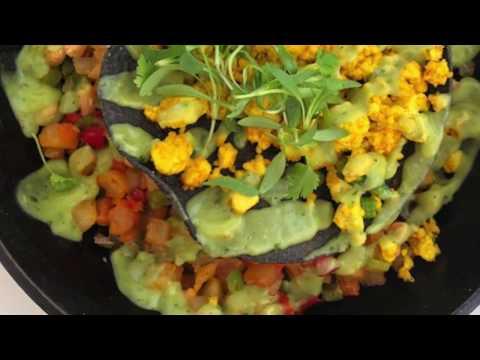 Vegan scrambled eggs (aka tofu scramble) recipe